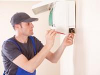 Montage der Wand- Klimaanlage